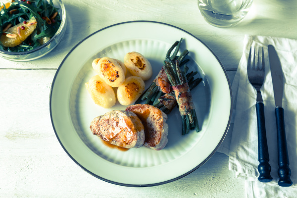 pork medallions with potatoes and beans