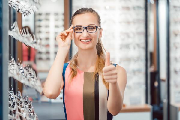 woman recommending buying new eyewear