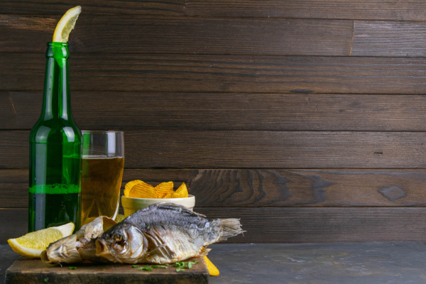 dried salted crucian with beer