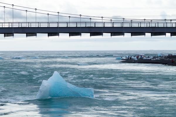 icebergs on water jokulsarlon glacial lake