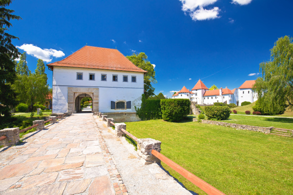 varazdin old town gate of