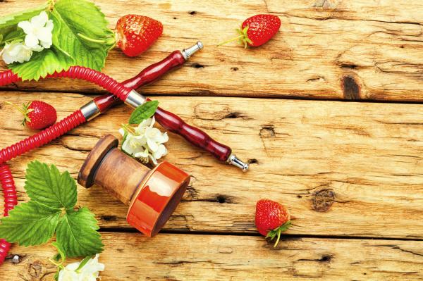 hookah with strawberries