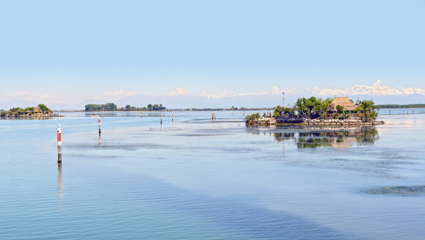 islands in the lagoon of grado