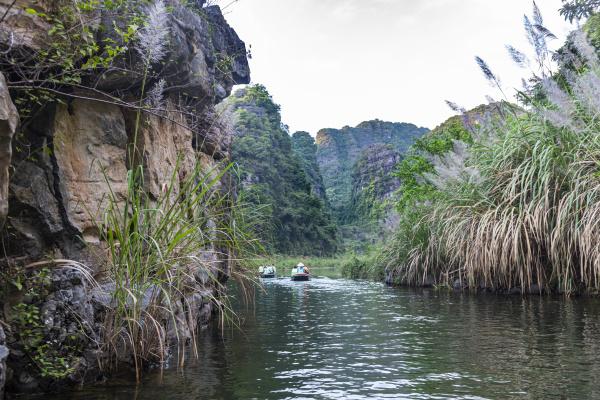 vietnam limestone mountains attrangan scenic