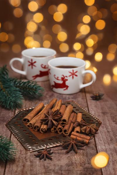 star anise and cinnamon sticks