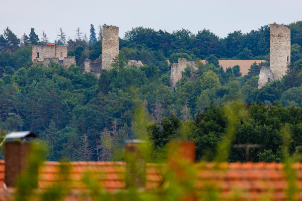 the ruin of the brandenburg castle