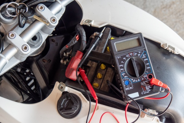 check volt of battery with motorcycle