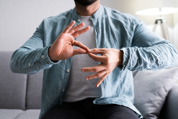 adult learning sign language