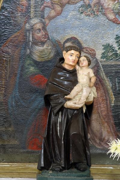 saint anthony of padua statue in