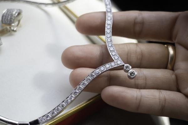 fine luxury diamond jewellery set