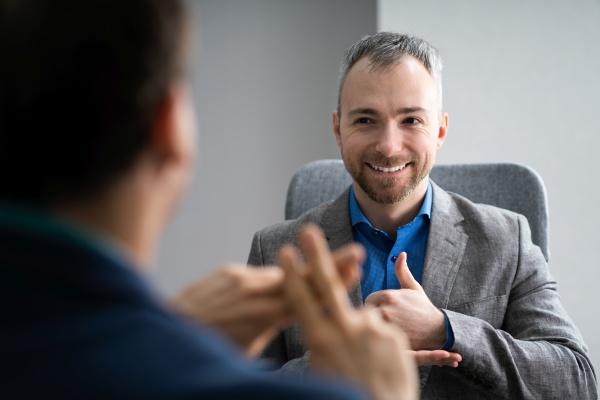 learning sign language for deaf