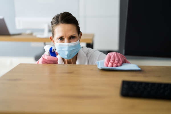 office desk cleaning service professional