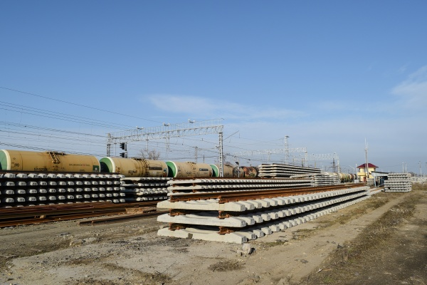 new, rails, and, sleepers., the, rails - 29321455