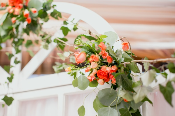 wedding decorations white arch with