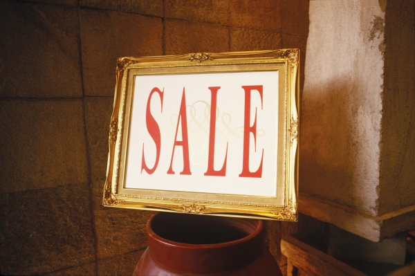 close up of a sale sign