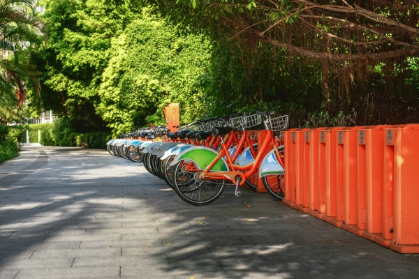 bicycle parking rental in the city