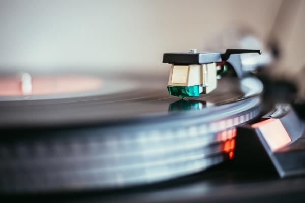 playing retro music professional turnable audio