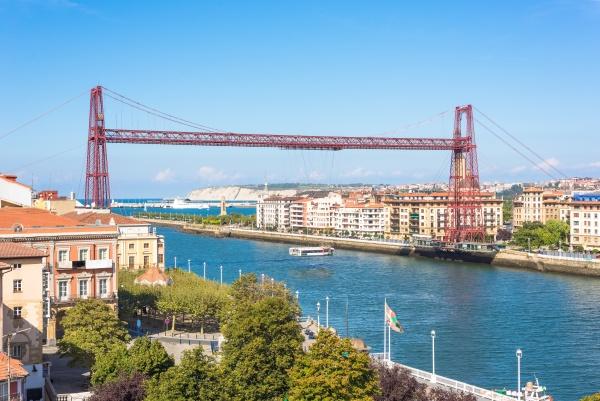 the world oldest famous transporter bridge