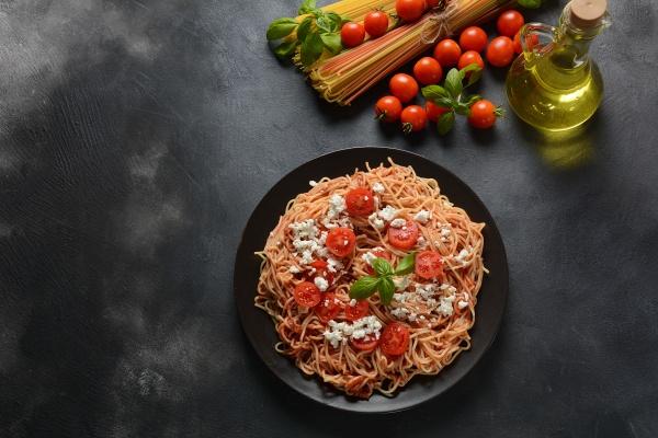 classic italian spaghetti pasta with tomato