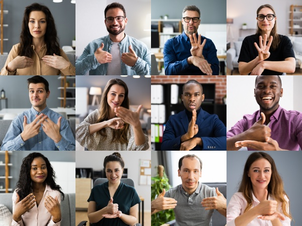 people learning deaf sign language