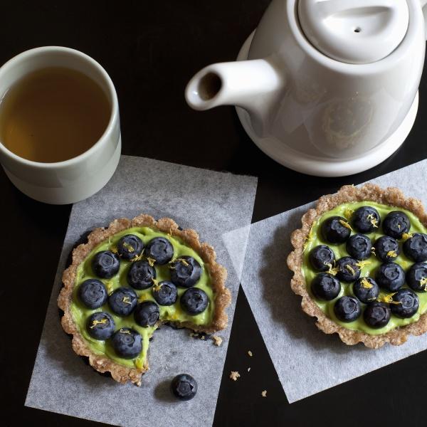 raw avocado pie with blueberries