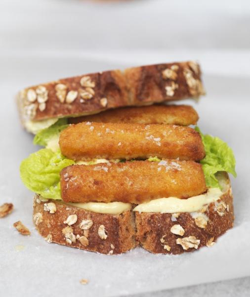 a, fish, finger, sandwich - 29887214