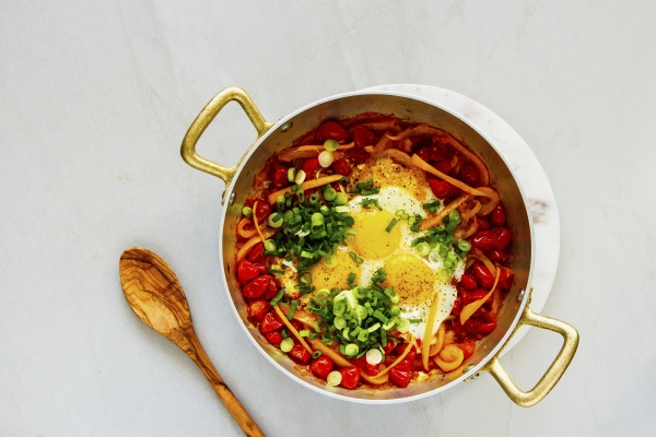 breakfast shakshuka fried eggs with tomatoes