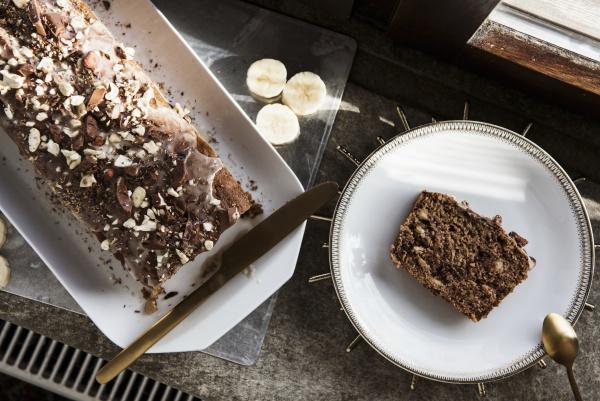 moist banana bread with chocolate