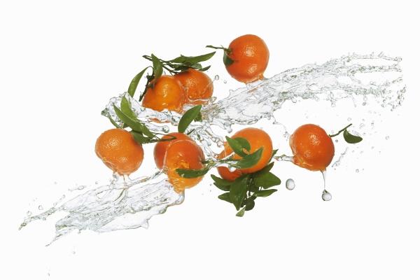 mandarins with a splash of water