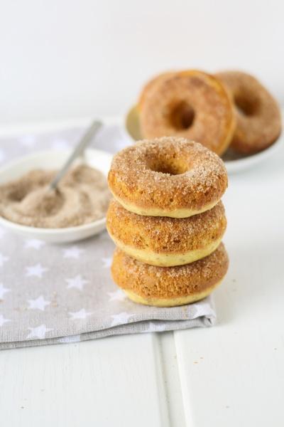 doughnuts with cinnamon sugar
