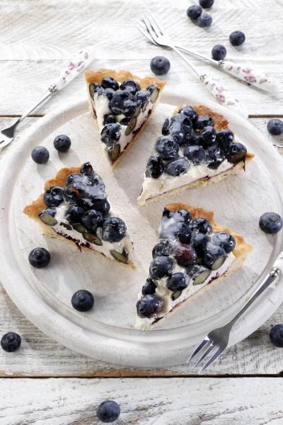 creamy blueberry tart