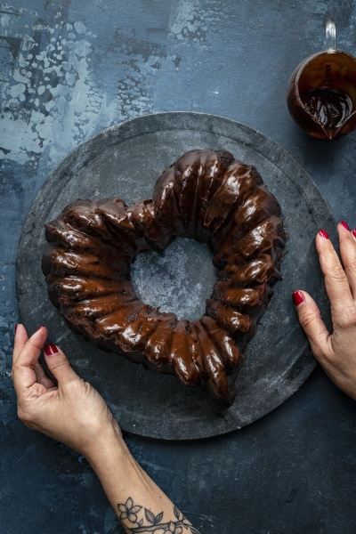 valentine cake in heart shape