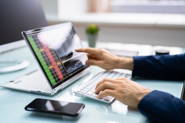 stock exchange broker trading