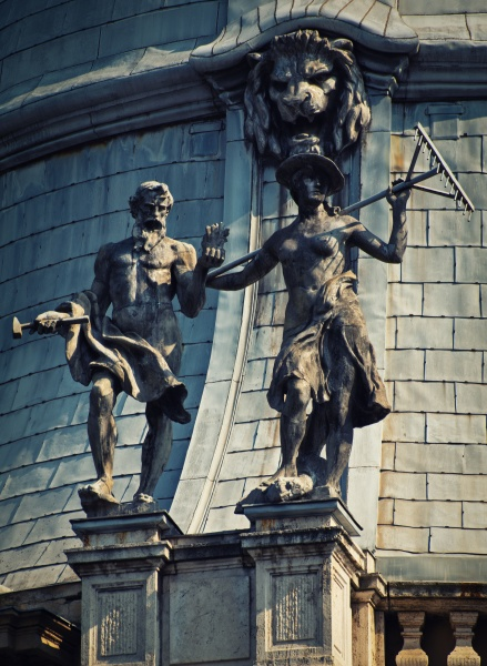 statues on the baroque wing dome