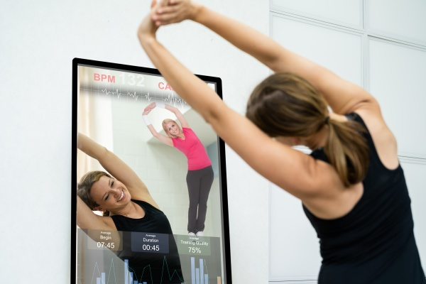 smart mirror workout and exercise class