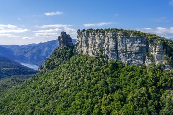 la agullola rock peak on collet