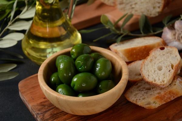 olives olive branch olive oil on