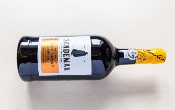 bottle of sandeman fine tawny porto