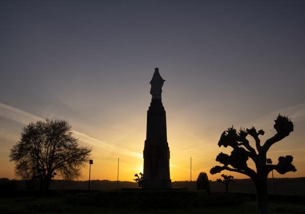 statue on the gulpenerberg near the
