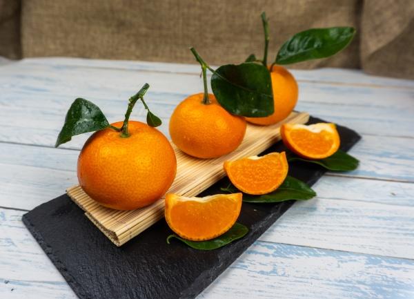 fresh tangerines sweet clementines