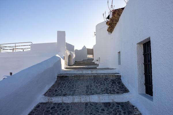 whitewashed houses in imerovigli on santorini