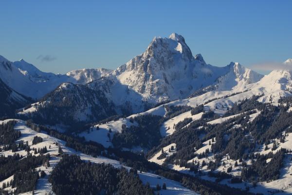 winter landscape seen from horeflue schoenried