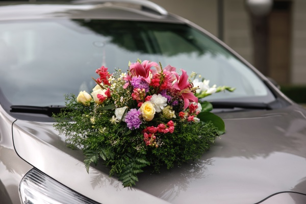 floral designer bouquet by car for