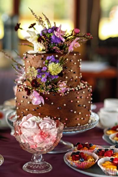 beautiful two tier birthday cake