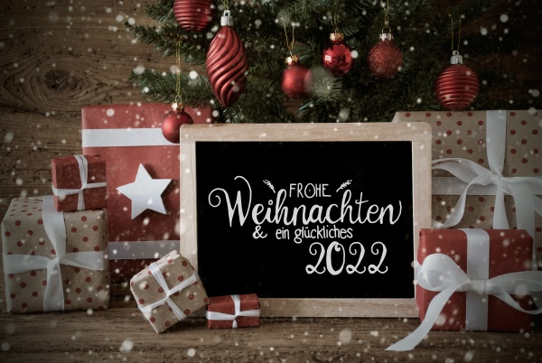 christmas tree present text glueckliches 2022