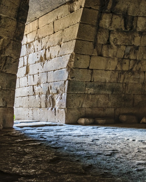 agamemnon tomb micenae greece