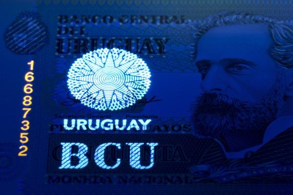 uruguayan peso in uv rays