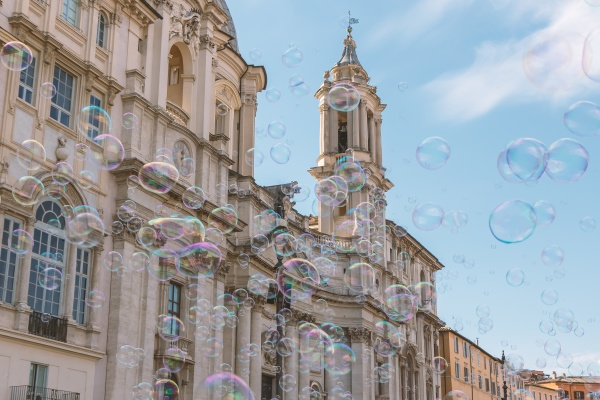 navona square with the soap bubbles