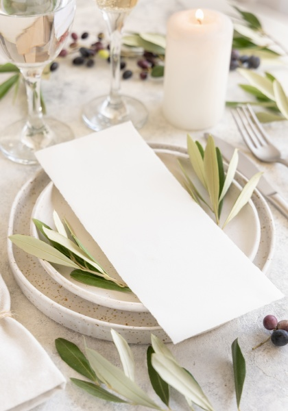 wedding table place with a card