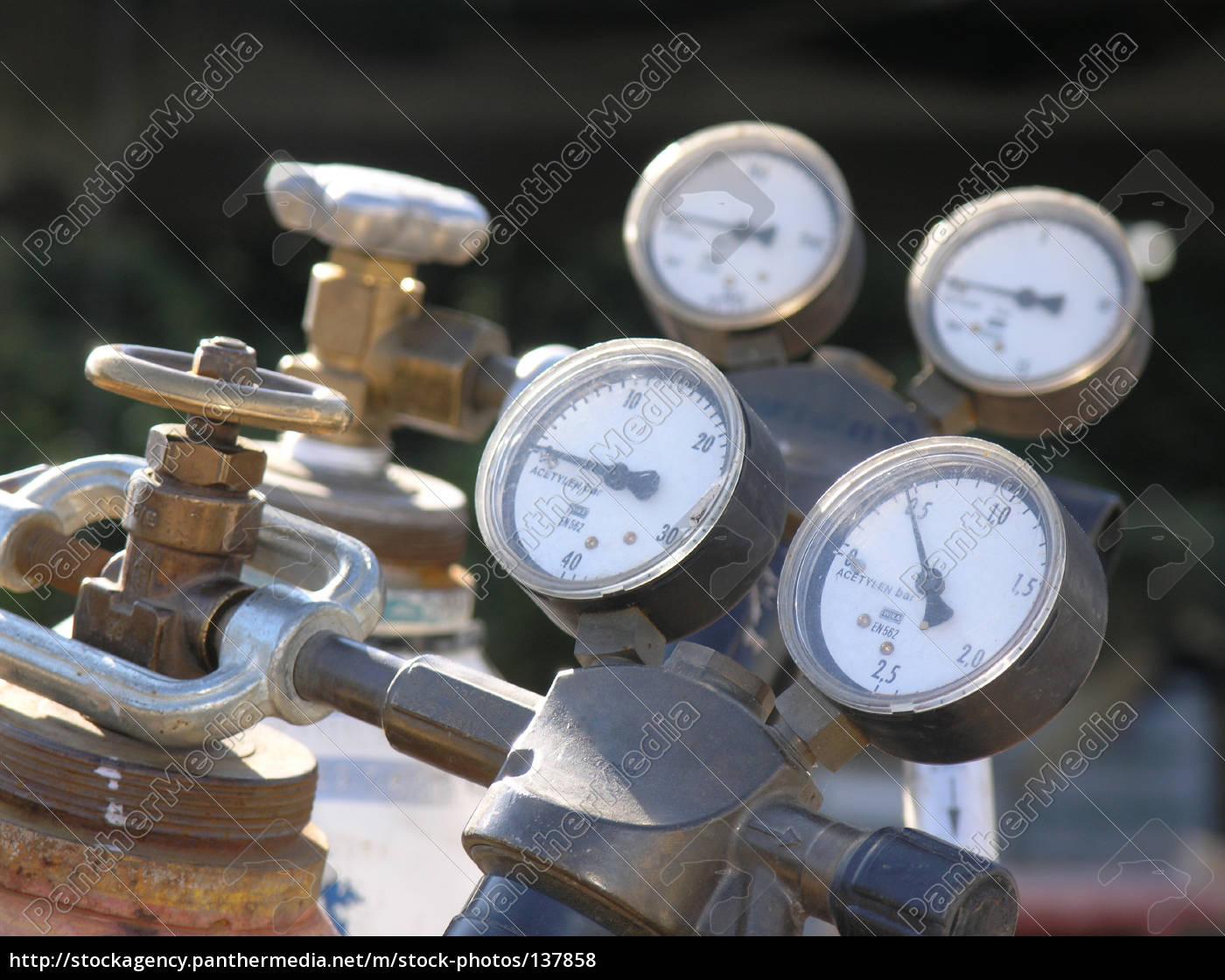 pressure, gauge, 1 - 137858